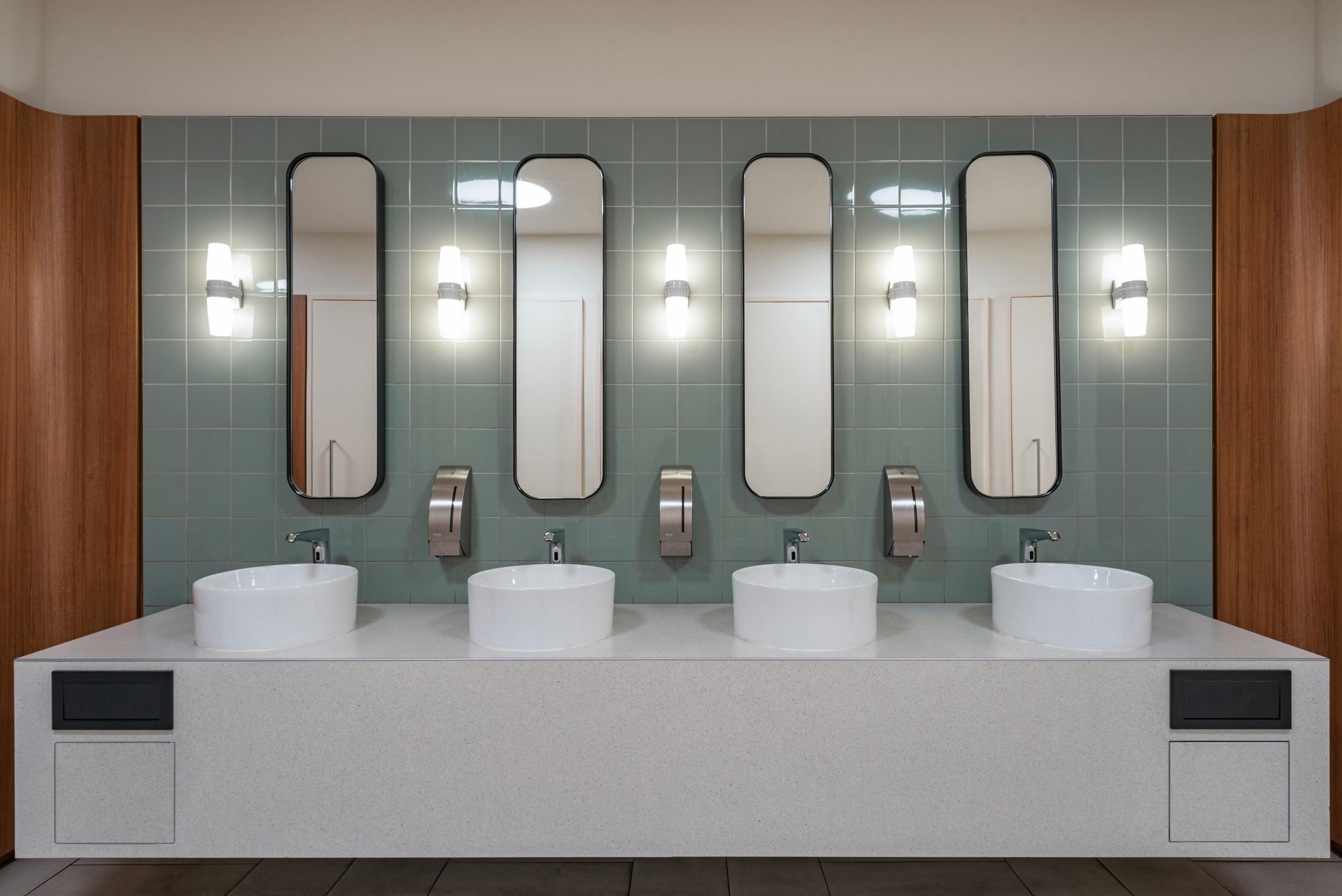 De Bijenkorf Rotterdam Toilet sink