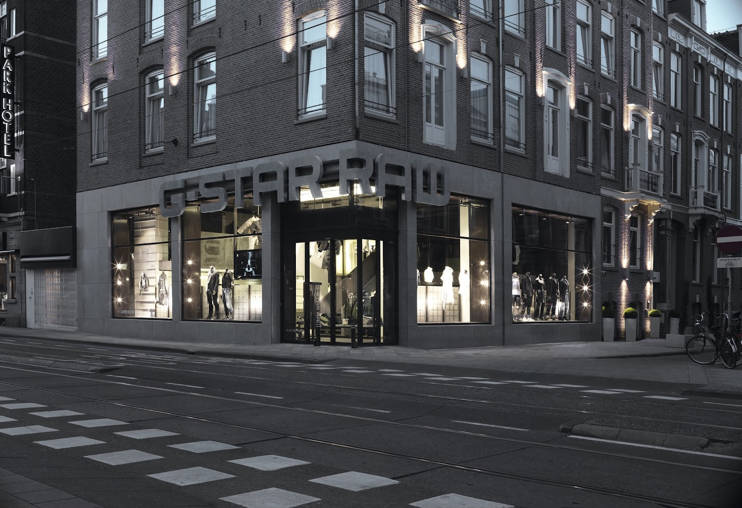 G-star raw pc hooftstraat store design