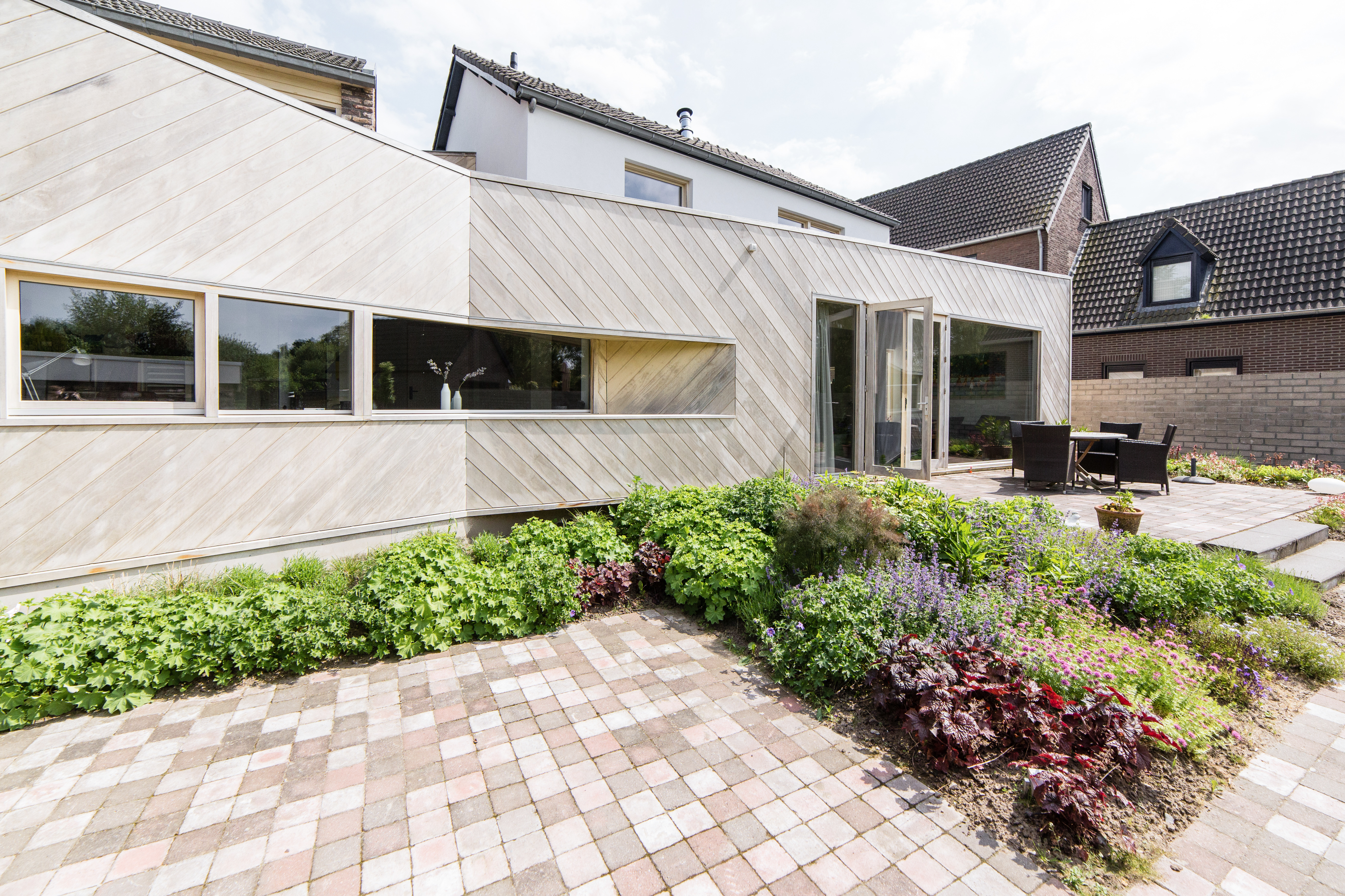 Garden housing design wooden wall