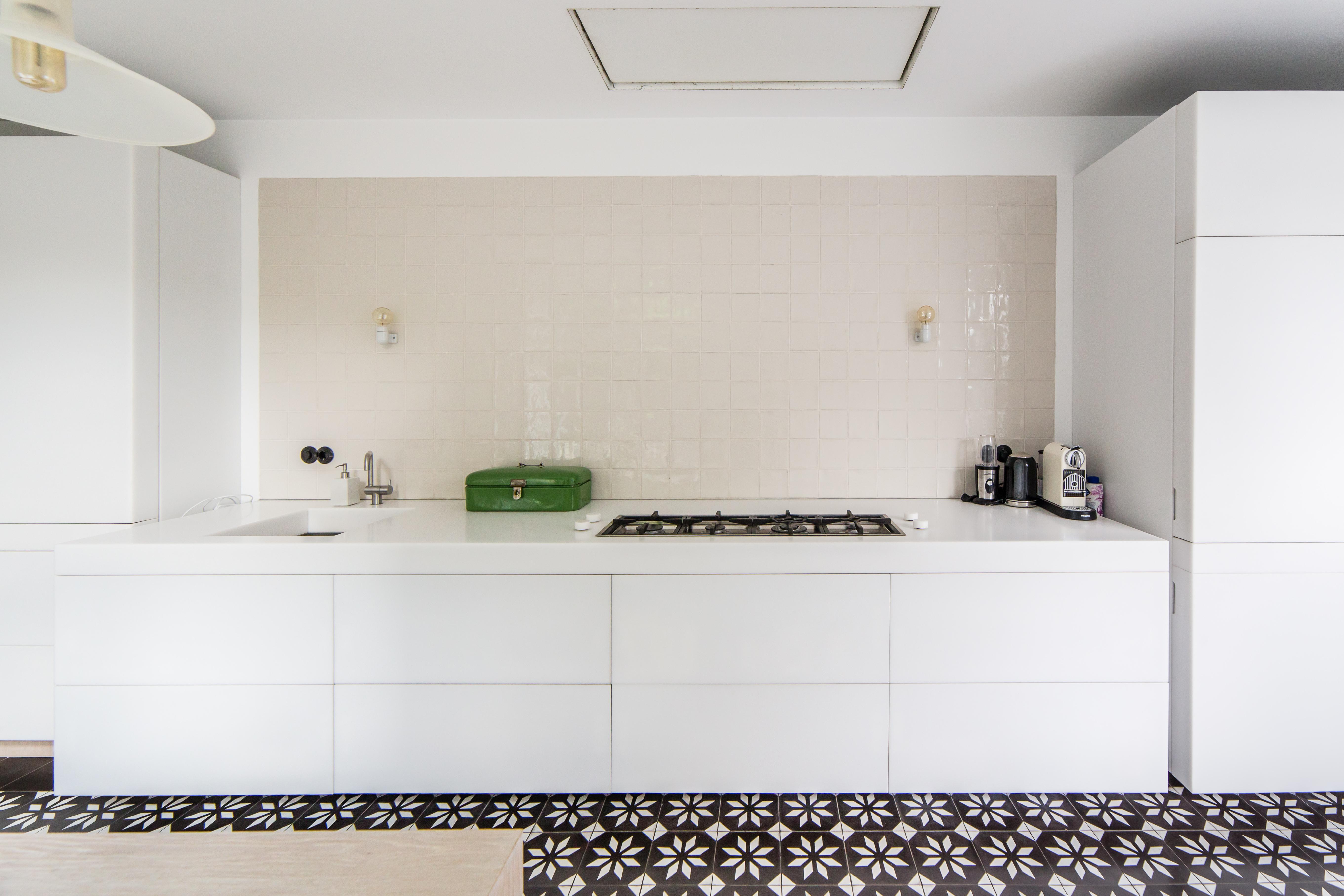 Kitchen black & white style