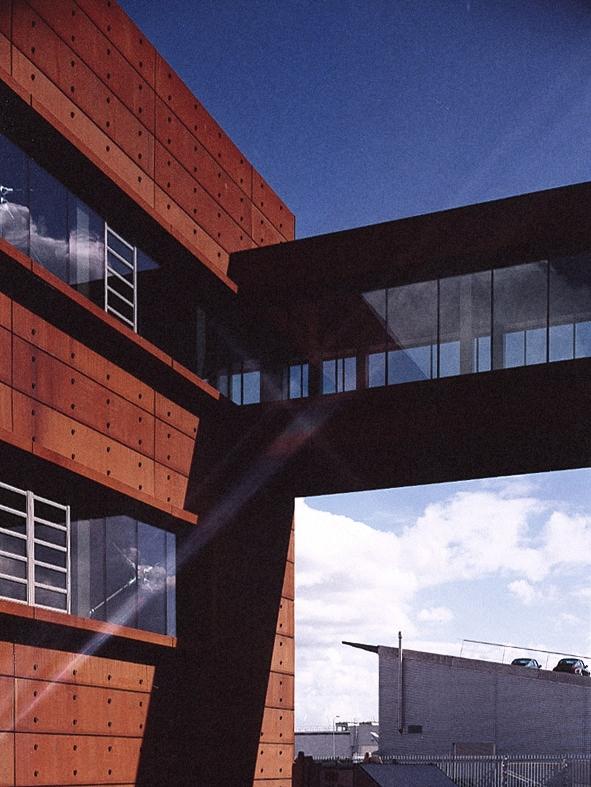 G-star headquarters building design walk bridge