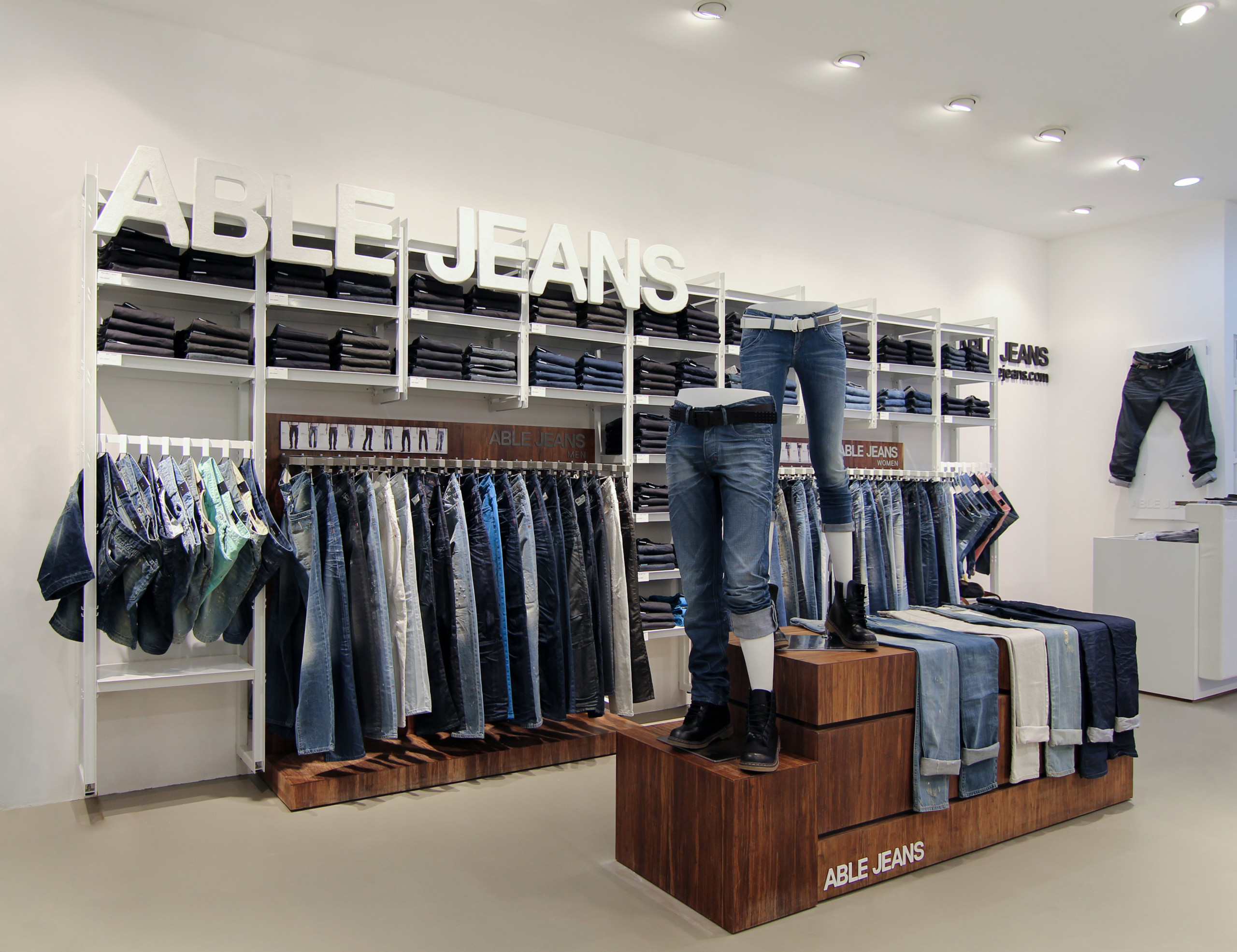 Able Jeans stores China display design